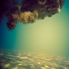 Underwater sand (javiy) Tags: sky water colors cool underwater vibrant salt bubbles cielo forms ph mistery submarino yanes submarinas wpdc17 javiyanes