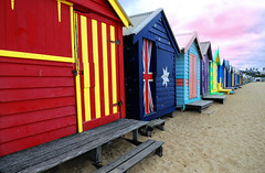 Brighton Beach (Boxes) - Australia (oo Felix oo) Tags: red sun color sol beach rojo nikon colours flag australia playa colores bandera verano d80 felmar artlegacy goldstaraward felmar73