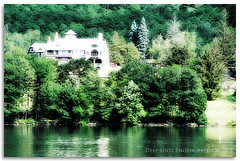 The mansion by the lake (deep shot) Tags: lakegeorge mansions