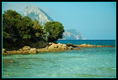 Isola nell'isola (marulisa) Tags: sardegna mare tavolara naturesfinest fineartphotos portotaverna diamondclassphotographer flickrdiamond dsc4644