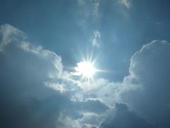 Soleil dans les nuages (ComputerHotline) Tags: blue bleu temps mto mtorologie lumire light luz clouds nuages soleil sun sky ciel weather wetter belfort france franchecomte fra