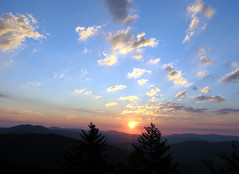 Smoky mountain sunrise (Minkum) Tags: mountains nature sunrise tennessee smokymountains smokymountainnationalpark artcafe blueribbonwinner bej mywinners abigfave ultimateshot theunforgettablepictures worldglobalaward globalworldawards artcafedomidoexhibitionscomein