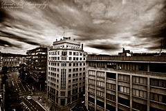 GIRONA C/ Jaume I (david A.F Photography) Tags: clouds edificios girona bn nuves sigma1020mm canoneos40d cuadritono davidafphotography