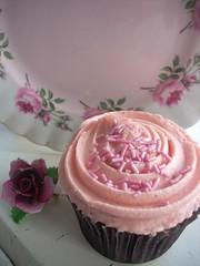 Birthday cupcake (Raggedroses) Tags: birthday pink roses floral cake cupcake