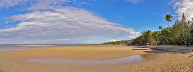4 miles Beach Port Douglas