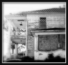 This old house (Tristabell) Tags: blackandwhite bw house flickr photos kodak caption share stealingshadows kodakz12is tristabell