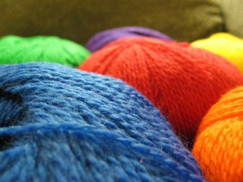 2008-12-07_rainbow_of_yarn.jpg