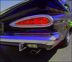 Cat  eye  tailights (Bob the Real Deal) Tags: black 1955chevy impala cateyes 1958chevy sonydscp72 1957chevy 1956chevy detailshots 1959chevy