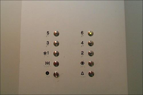 sechste etage bitte