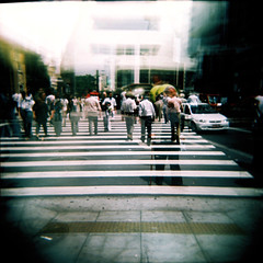Até 2009 SP! (gleicebueno) Tags: street holga saopaulo doubleexposure sp caos basil 2008 paulista pedestres