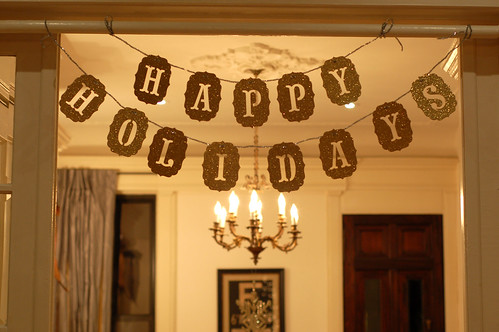 Decor_HappyHolidaysSign