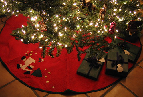 Christmas tree skirt 2  IMG_1165