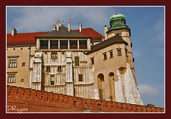 Wawel, rising a bend of the Vistula (Krakow, Poland) (Dragos Cosmin- Getty Images Artist) Tags: castle history nikon culture royal poland krakow polish tourists pole residence polonia mecca castel cracovia cosmin royalcastle dragos wawelhill polonez d80 olariu