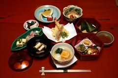 Kyoto Cuisine and Maiko Evening                  Kaiseki Dinner (maikohaaan) Tags: show japan dinner kyoto event maiko geiko geisha  ryokan kimono gion imperialpalace kinkakuji kiyomizu hatanaka hanamachi tawaraya        ozashiki yasakajinjya