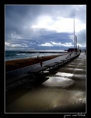 dias nublados (Juan marblaz) Tags: barcelona mar bcn playa paseo barceloneta nubes reflejos charcos juanmarblaz marblaz