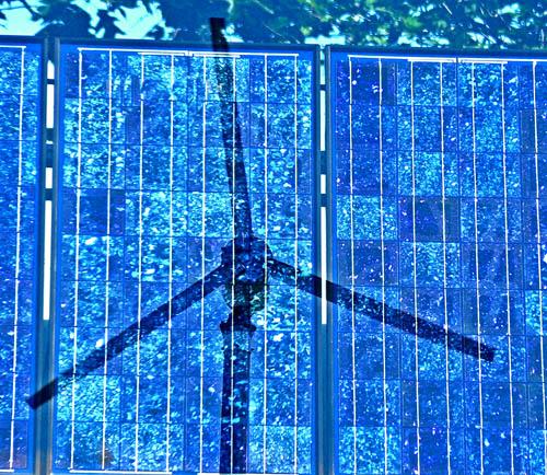 Solar windblades von tomswift46 bei flickr unter cc-Lizenz