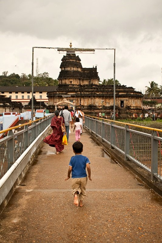 Sri Vidya Teertha Setu across the Tunga river, Sringeri - Chitra Aiyer Photography