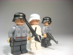 Lego germans (Epac1998) Tags: order lego mail bricks german ww2 russian gi ppsh mp40 brickarms