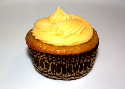 Vegan Orange Cupcake with Orange Pudding Filling and Orange 'Butter'cream