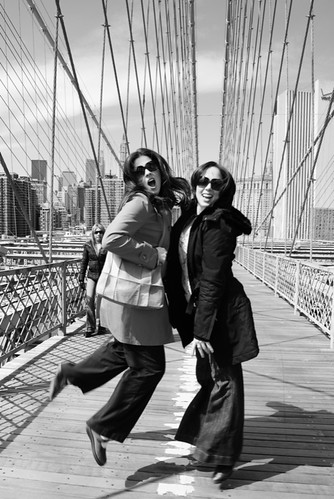 twins on the brooklyn bridge