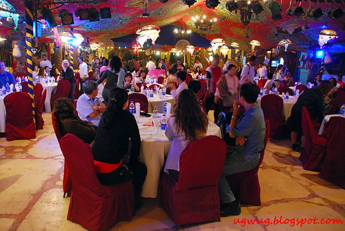Dinner under a tent - AlEzba Restaurant
