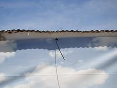 para variar (*L) Tags: blue horizontal azul céu nuvens tela cromo moita cromos telão centronáuticomoitense pleonasmo redundância tautologia omeupleonasmofavorito nuvensfalsas azulazula