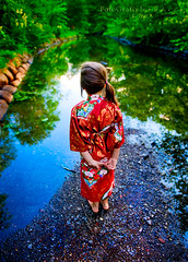 Japanese Garden (Lisa Rsten  |  Fotografix Studios) Tags: blue red distortion color reflection green beautiful catchycolors rocks stream child calm explore barefoot kimono 2470mmf28 clientshoot nikond3 fotografixstudios