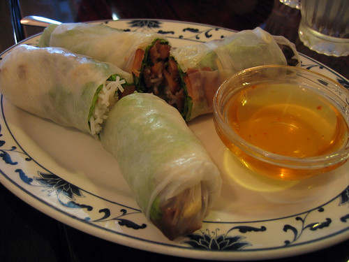 Lemongrass chicken spring rolls
