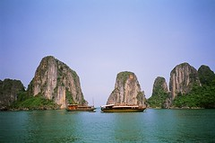 Halong Bay, Vietnam (ChihPing) Tags: travel blue iso100 bay minolta vietnam konica agfa ultra halong halongbay tc1