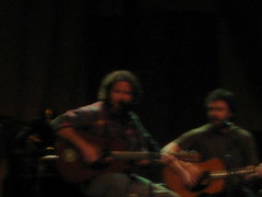 Vedder and Liam Finn (Make Lemons) Tags: dc solo 2008 eddievedder warnertheater