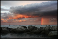 Vertical rainbow (otrocalpe) Tags: rainbow mare cielo 5d arcobaleno numana marche cpl ancona otrocalpe