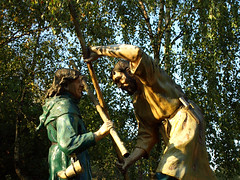 Robin Hood and Little John (DaveKav) Tags: uk greatbritain england robin statue forest unitedkingdom britain olympus sherwoodforest gb robinhood nottinghamshire sherwood edwinstowe e510 littlejohn visitorscentre fourthirds