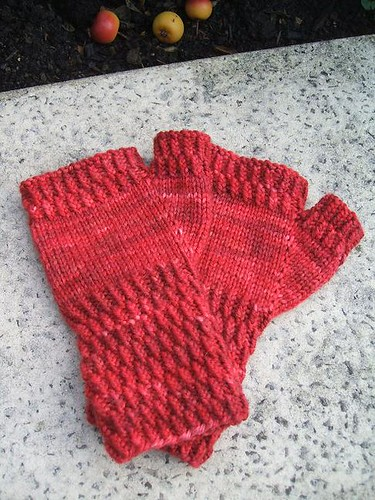 Berry Hill fingerless mittens