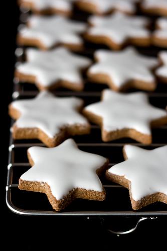 Biscotti Di Natale Tedeschi Ricetta.La Ciliegina Sulla Torta Biscotti Natalizi Zimtsterne