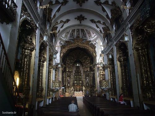 Interior barroco da igreja dos Carmelitas