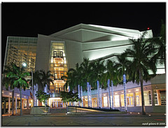 Knight center Miami (iCamPix.Net) Tags: florida miami explore fav favourite mostviewed miamidadecounty knightcenter mostwatched adriennearshtcenterfortheperformingarts cannoneos1dsmarkiii canonef1635mmf28liiusmzoom icampixtechnologyleveli adriennearshtcenterfortheperformingartsofmiamidadecounty jameslknightinternationalcenter