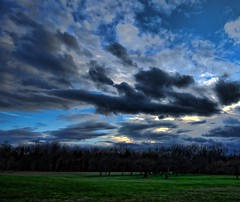 Stormy Sunset (Scott Hudson *) Tags: chris sunset usa photography one is nikon perfect flickr song unitedstatesofamerica scene bolton pip sucks but micheal kinda issac googleimages scotthudson cumulusclouds nohdr exploreflickr imagekind bighugelabs distantstorm betterthangood mytruemusictasteishousemusicsong2 darkcloudshanglowinthesky perfectioninpictures bingimages alwaysbetteronblack betterthangoodflickr scotthudsonflickr httpwwwfacebookcomscotthudsoninnjflickr