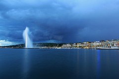 Geneva Blue Hour [Explore] (Maria_Globetrotter) Tags: storm fountain night geneva explore bluehour jetdeau regionwide