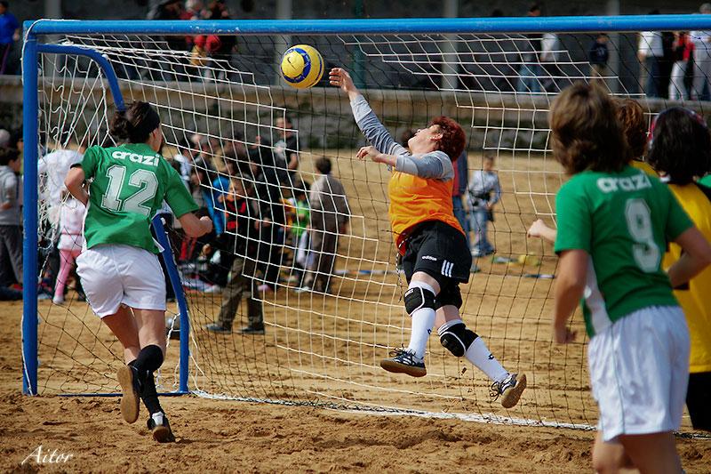 Final Fútbol Playero Femenino, a700 + Beercan en Deportes y espectaculos2428140765_01fc45ce0d_o.jpg
