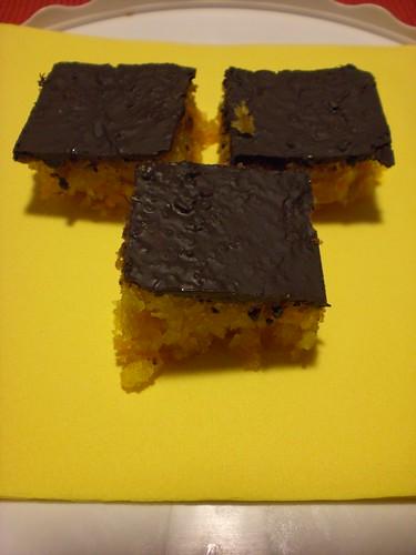 Torta di carote, cioccolato e nocciole