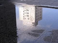 Zeiss building (Gerlinde Hofmann) Tags: reflection clock architecture zeiss germany puddle town thüringen upsidedown jena thuringia artdeco reflexion zeit uhr thuringian pfütze wasserpfütze jenaimfrühling