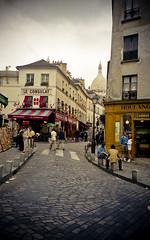 Montmartre, Paris, 2000 (abbyladybug) Tags: street travel summer paris france film 35mm 2000 hill montmartre scan cobblestone explore shops steep reminiscing paries basiliquedusacrécœur 18tharrondissement basilicaofthesacredheart sacrécœurbasilica canonz135