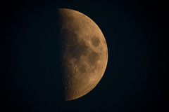 the moon @ 1200mm (!Shot by Scott!) Tags: birthday moon water scott pond champagne sony lewis australia peanuts banana telescope photograph chase astronomy bling alpha 700 slippers mlb f13 1200mm allrightsreserved nohdr plentyoffish scottlewis verybiglens cashforclunkers yahoosearchtags randontagstoseeifitaffectsmystats youdonthavetocanon