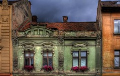 Open windows (crymy) Tags: flowers green canon raw oldhouse hdr brasov kronstadt 40d housedetails canoneos40d hdraddicted multimegashot hdraward hdrfrom3raws crymy 40deurope romaniawindows