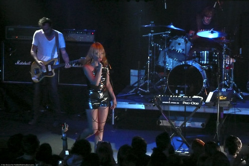 08.09 Metric @ Highline (1)