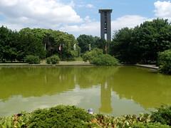 Carillon ... (bayernernst) Tags: berlin juni 2008 spiegelung tiergarten glockenspiel carillon glockenturm berlintiergarten meinberlin flickrblick 14062008 sn209718