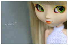 Anatevka (r e n a t a) Tags: portrait macro cute verde green yellow closeup canon grey doll amarelo kawaii blonde pullip boneca cinza loira fiddlerontheroof junplanning mimichocolat
