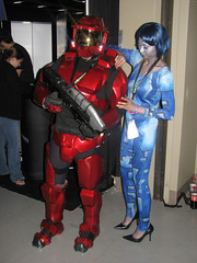 Halo Cosplay (SaikoSakura) Tags: seattle cosplay halo pax pennyarcadeexpo masterchief spartan cortana thewashingtonstateconventioncenter