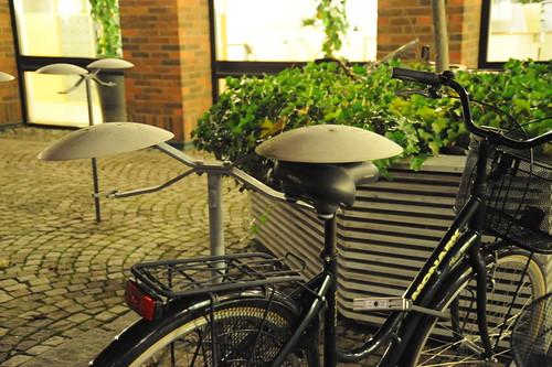 自転車駐車用の柱