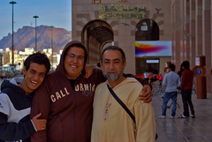 People of Madina (marviikad) Tags: portrait smile madina saudi medina uhud